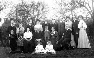 1908.Griffiths Family Group