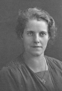 1928. Emma(Doll)  Howarth